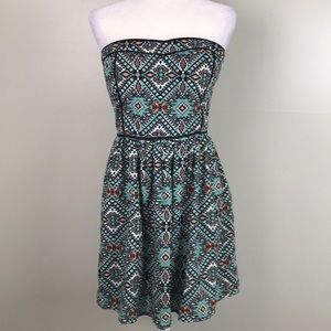 FRANCESCA'S Collection Strapless Aztec Print Dress
